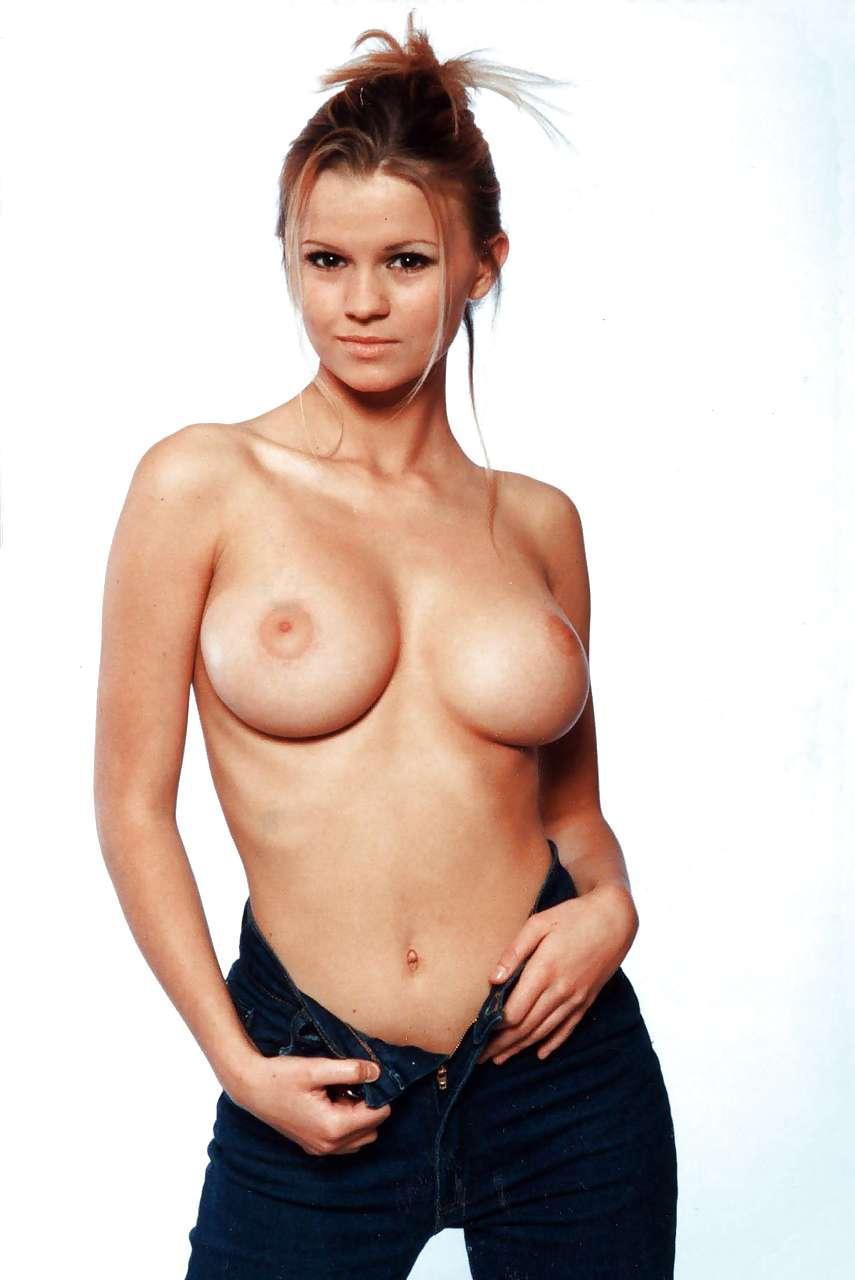 gorgeous face naked women